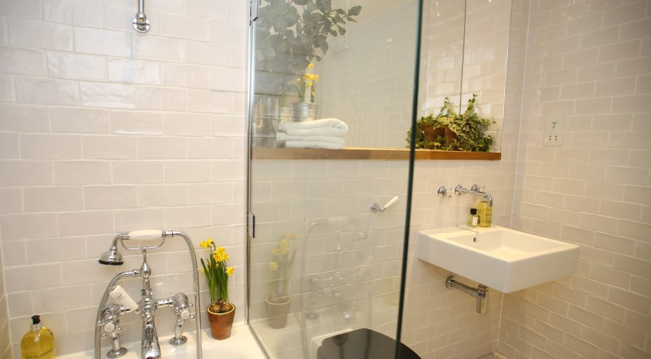 Bathroom Luxury Self Catering Holiday Apartment Close To